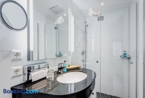 维瓦天空酒店 - 康斯坦茨 - 浴室