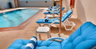 迪拜招牌酒店 - 迪拜 - 游泳池