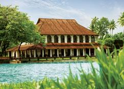 库马拉孔泰姬喀拉拉水疗度假村 - 库姆阿拉康 - 建筑