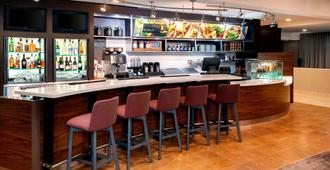 萨凡纳市中心万怡酒店 - 萨凡纳 - 酒吧