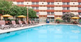 温德姆花园酒店-奥斯汀 - 奥斯汀 - 游泳池