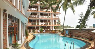 薩加拉海灘度假村 - 可瓦兰 - 游泳池