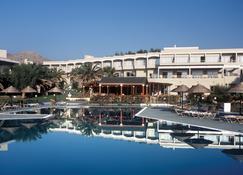 鲁坦尼亚海滩酒店 - 科林比亚 - 建筑