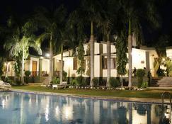 兰斯姆博丽景酒店 - 瑟瓦伊马托布尔 - 游泳池