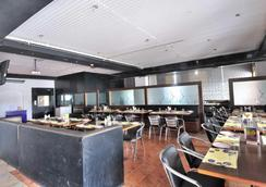 Fabhotel Majestica Inn Hitec City - 海得拉巴 - 餐馆