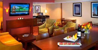 克利夫兰机场万豪酒店 - 克利夫兰 - 酒吧