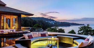 普吉岛阿卡狄亚奈通海滩铂尔曼度假酒店 - 奈通海滩 - 露台