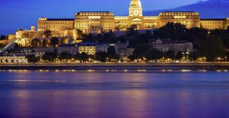 宜必思布达佩斯航空酒店 - 布达佩斯 - 户外景观