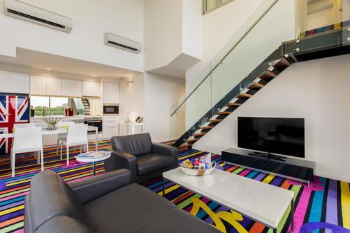 Adge Apartments - 悉尼 - 客厅