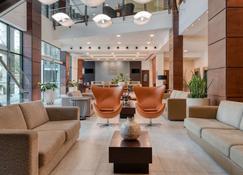 维多利亚舒适套房酒店 - 维多利亚 - 休息厅