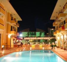阿尔巴诺酒店