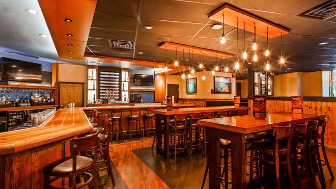 贝斯特韦斯特普拉斯皇家赌场酒店 - 拉斯维加斯 - 酒吧