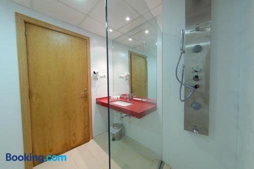 加雷翁酒店 - 锡切斯 - 浴室