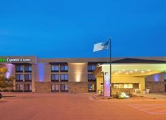科尔比智选假日酒店&套房 - 科尔比 - 建筑