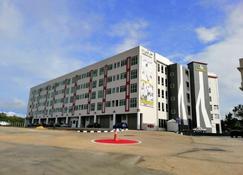 高級酒店 - 斯里巴加湾市 - 建筑