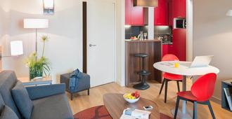 阿德吉奥图卢兹中央兰布拉斯公寓酒店 - 图卢兹 - 客厅