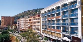 奎特洛城市海港酒店 - 阿拉尼亚 - 建筑