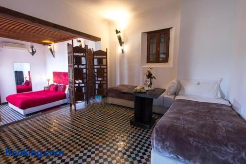 里亚德菲斯亚曼达庭院旅馆 - 非斯 - 睡房