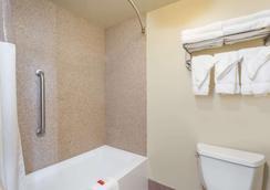 赫尔希戴斯酒店 - 赫尔希 - 浴室
