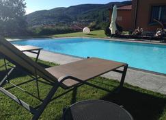 蒙特西诺住宿加早餐旅馆 - 阿尔巴维拉 - 游泳池