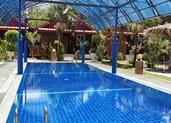 北碧府泰国花园酒店 - 北碧 - 游泳池