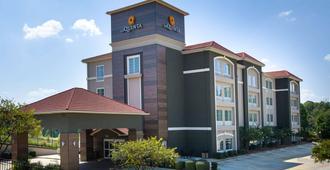 图珀洛拉金塔旅馆及套房 - 图珀洛