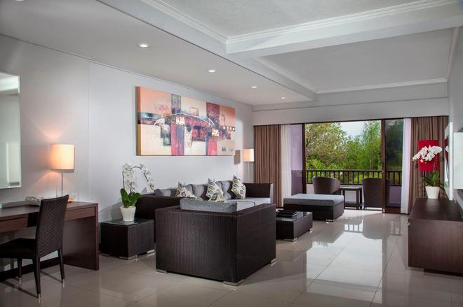 巴厘岛沙努尔天堂套房酒店 - 登巴萨 - 客厅