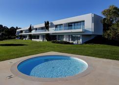 邦苏塞苏度假酒店 - 奥比杜什 - 游泳池