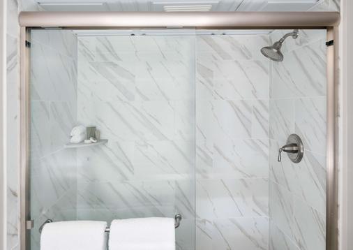 谢姆河酒店 - 芒特普莱森特(南卡罗来纳州) - 浴室