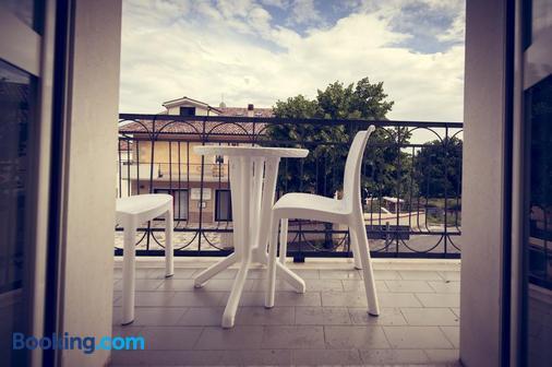 菲尼酒店 - 圣乔瓦尼·罗通多 - 阳台