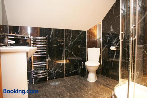 道尔甘乌恰夫酒店 - 多尔盖罗 - 浴室