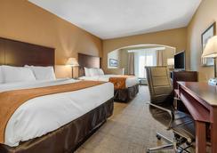 舒适套房酒店 - 斯普林菲尔德 - 睡房
