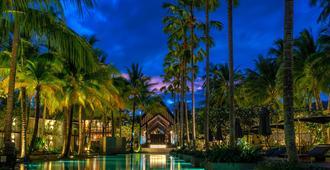 普吉岛双棕榈树酒店 - Choeng Thale - 游泳池