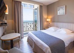 安蒂内阿酒店 - 圣马洛 - 睡房