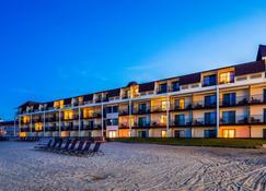 西佳plus海滨码头旅馆 - 麦基诺城 - 建筑