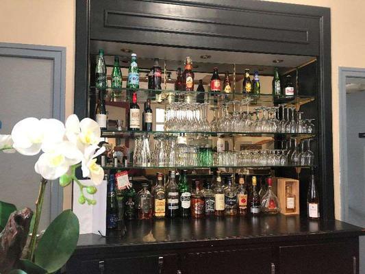 萨克莱雷姆布里特酒店 - 兰斯 - 酒吧