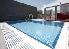 萨拉曼卡市长广场酒店 - 萨拉曼卡 - 游泳池