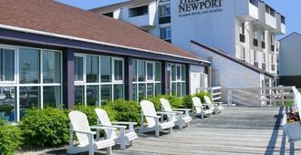 纽波特港码头酒店 - 纽波特 - 阳台