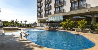 佩雷拉莫维奇酒店 - 佩雷拉 - 游泳池