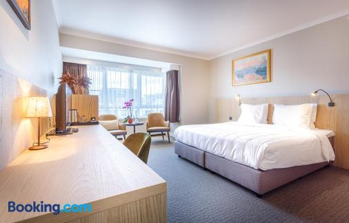 卡尔顿酒店 - 根特 - 睡房
