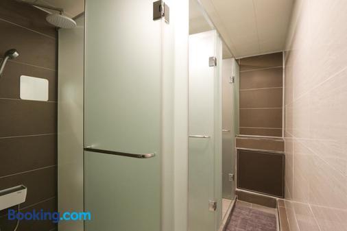 庆州蓝艇旅馆 - 庆州 - 浴室