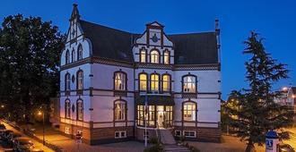 洛斯托克斯达特皮尔酒店 - 罗斯托克