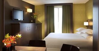 贝斯特韦斯特布列塔尼蒙帕纳斯酒店 - 巴黎 - 睡房