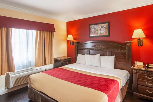长滩伊克诺旅馆 - 长滩 - 睡房