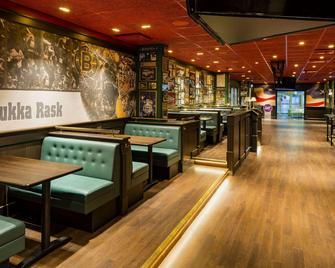 卡里比亚度假俱乐部 - 图尔库 - 酒吧