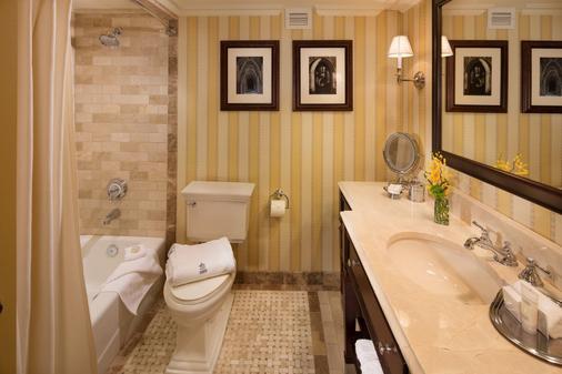 华盛顿杜克高尔夫俱乐部旅馆 - 达拉姆 - 浴室