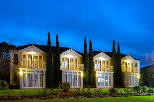 克罗尼尔乡村贝斯特韦斯特汽车旅馆 - 瓦南布尔 - 建筑