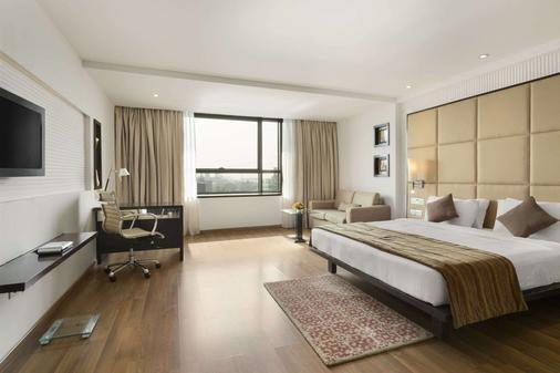 新孟买华美达酒店 - 纳威孟买 - 睡房
