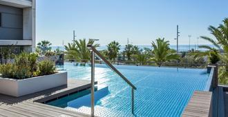 巴瑟罗阿特尼亚玛尔酒店 - 巴塞罗那 - 游泳池