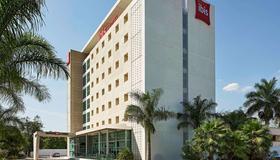 宜必思梅里达酒店 - 梅里达 - 建筑